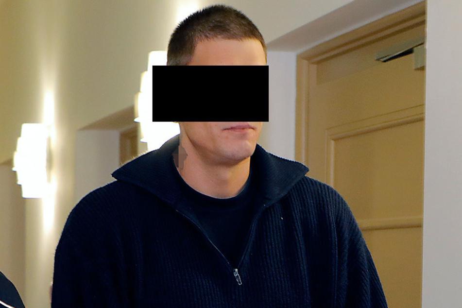 Marcus S. (39) kam in Freiheit nicht klar: Kaum draußen, prügelte er sich zurück in die Zelle.