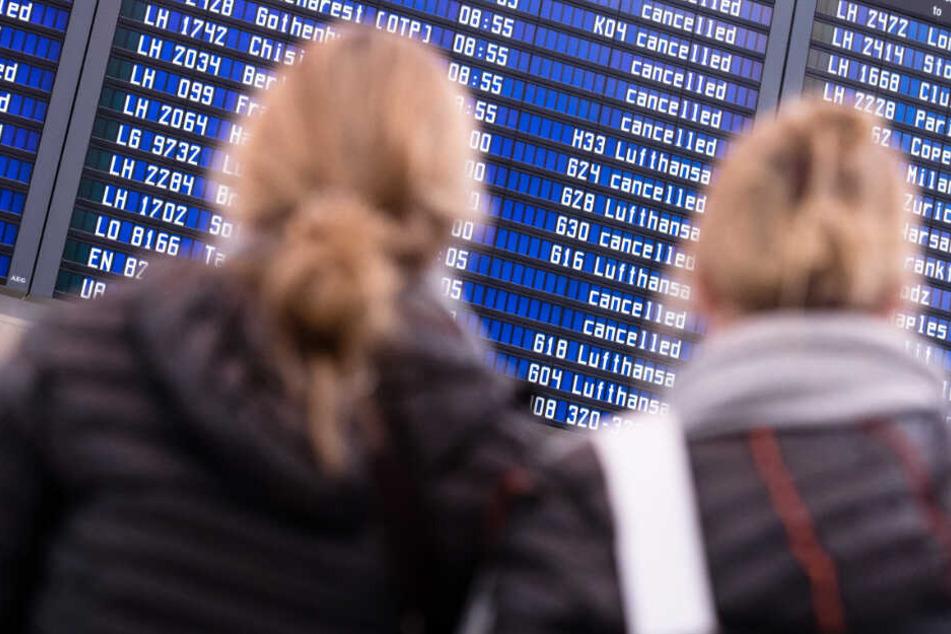 Grüne üben Kritik: Flughäfen München und Nürnberg erkaufen sich mit Vergünstigungen und Rabatten Passagierzuwächse. (Symbolbild)