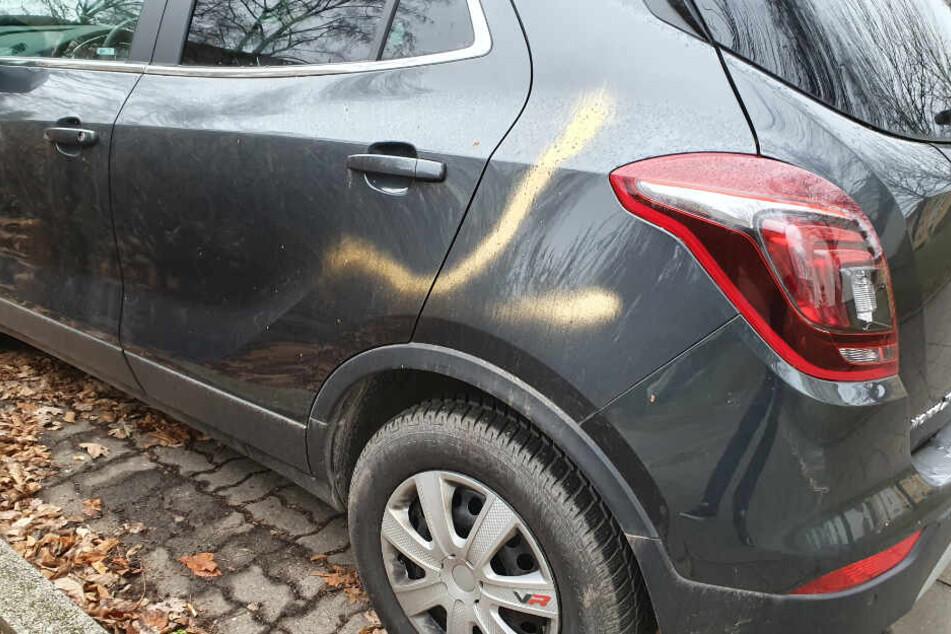 In Chemnitz wurden Autos besprüht.
