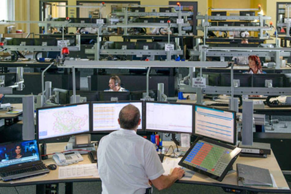 Offenbar wurden die Überwachungsprogramme versteckt auf die Rechner gespielt.