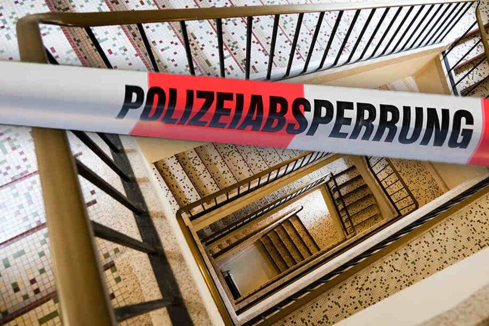 In Neukirch wurde ein toter Mann im Treppenhaus entdeckt. (Symbolbild)