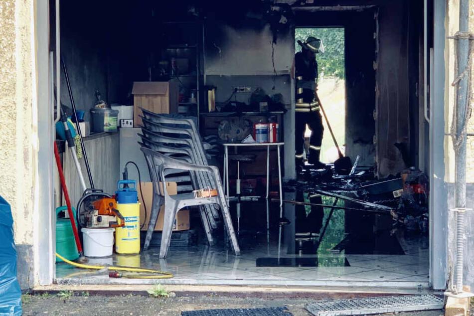 Beim Versuch, den Ofen anzuwerfen, geriet das Haus einer 77-Jährigen in Brand.