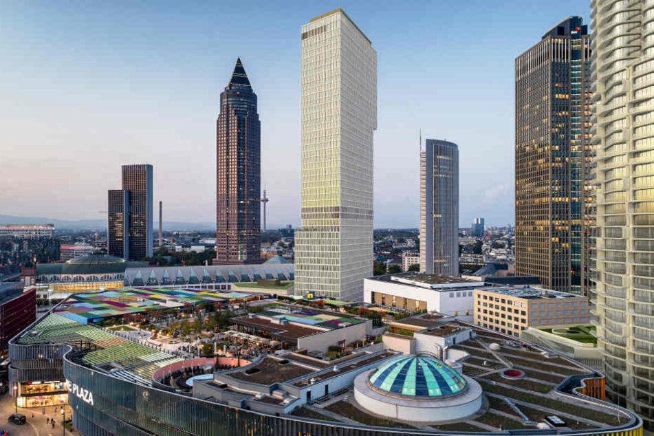 Der Wolkenkratzer entsteht gleich hinter der Skyline Plaza. (Simulation)