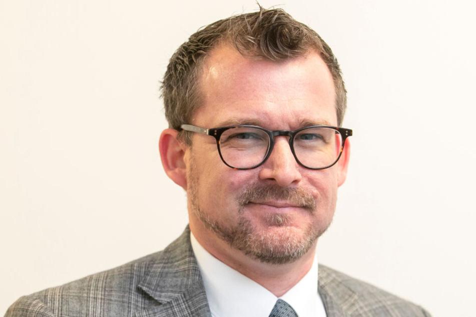 Baubürgermeister Raoul Schmidt-Lamontain (43, Grüne) will weiter den Umweltverbund aus Radlern, Fußgängern und ÖPNV ausbauen.