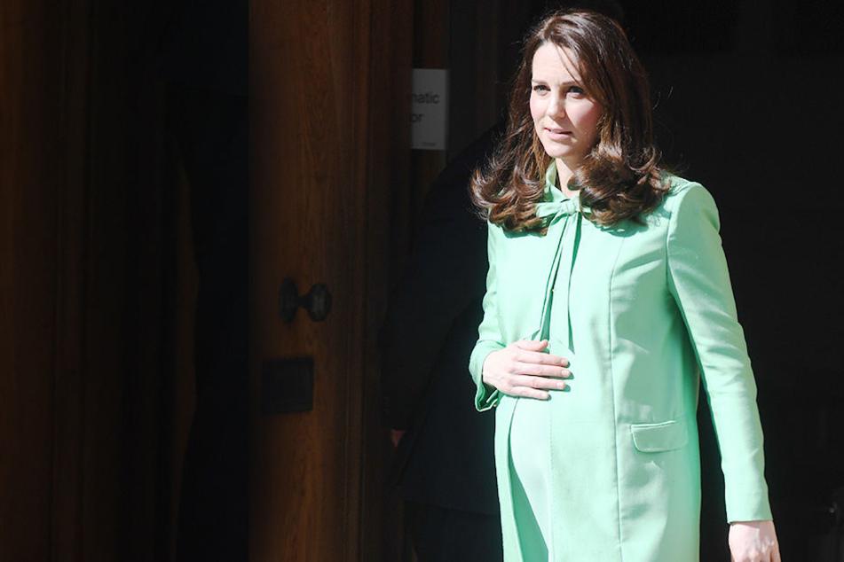 Es geht los! Herzogin Kate liegt mit drittem Kind in den Wehen
