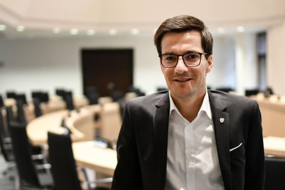 Der Oberbürgermeister Martin Horn (parteilos) sitzt im Oktober im Ratssaal im Rathaus.
