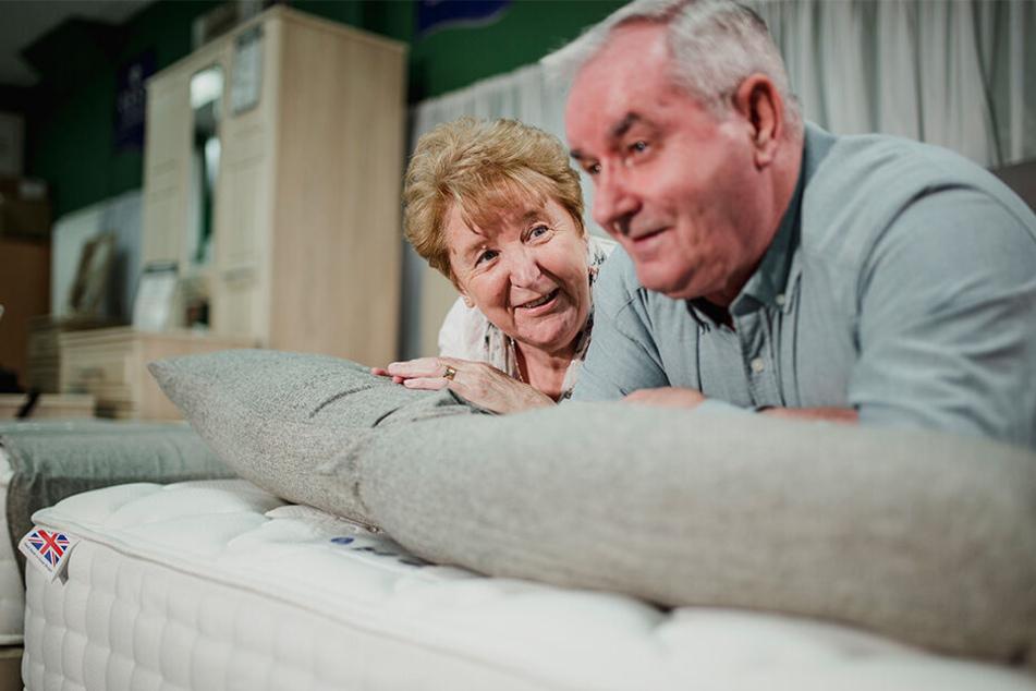 Möbel sind schneller hinüber, als man denkt: Diese Erfahrung musste ein Ehepaar aus Flöha machen (Symbolbild).