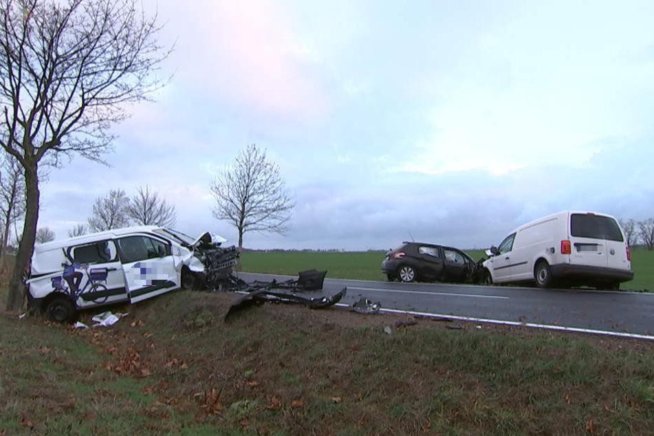 Auf der S4 bei Delitzsch ist es am Dienstagmorgen zu einem schweren Unfall gekommen.