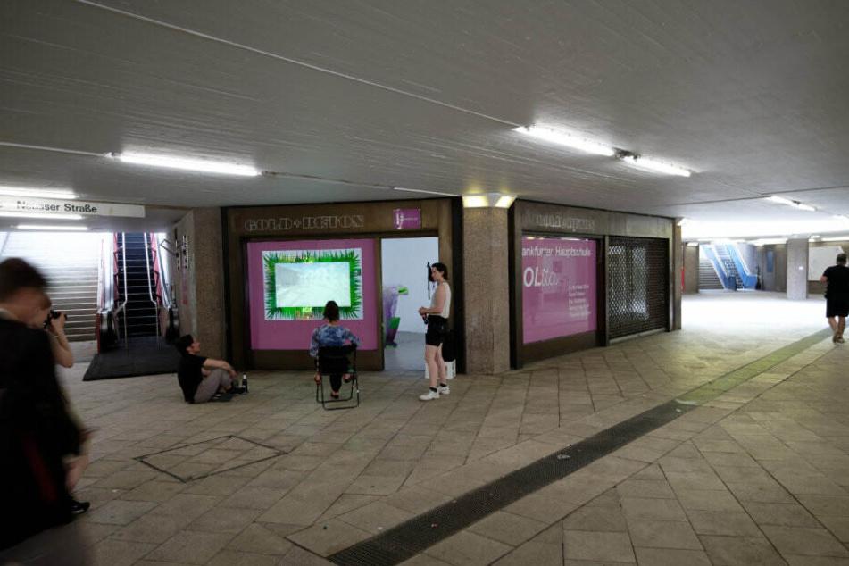 """In der Galerie """"Gold + Beton"""" ist die Ausstellung zu sehen."""
