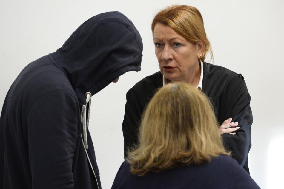 Heiße Nummer wird zum Horror: Mann (23) wegen Mordes an Freier (79) vor Gericht