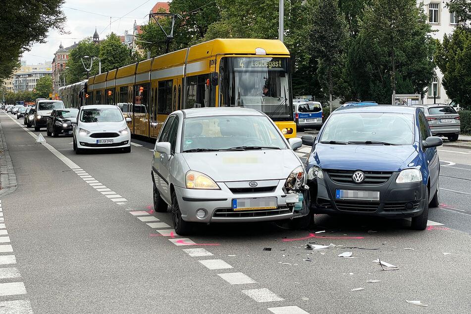 Ein Suzuki-Fahrer und ein VW-Fahrer krachten auf der Kreuzung von Borsberg- und Krenkelstraße zusammen.