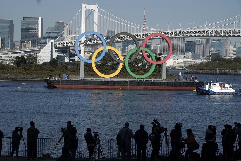 Mit dem Rückzug des umstrittenen Organisationschefs wollen Japans Olympia-Gastgeber den immensen Imageschaden begrenzen.