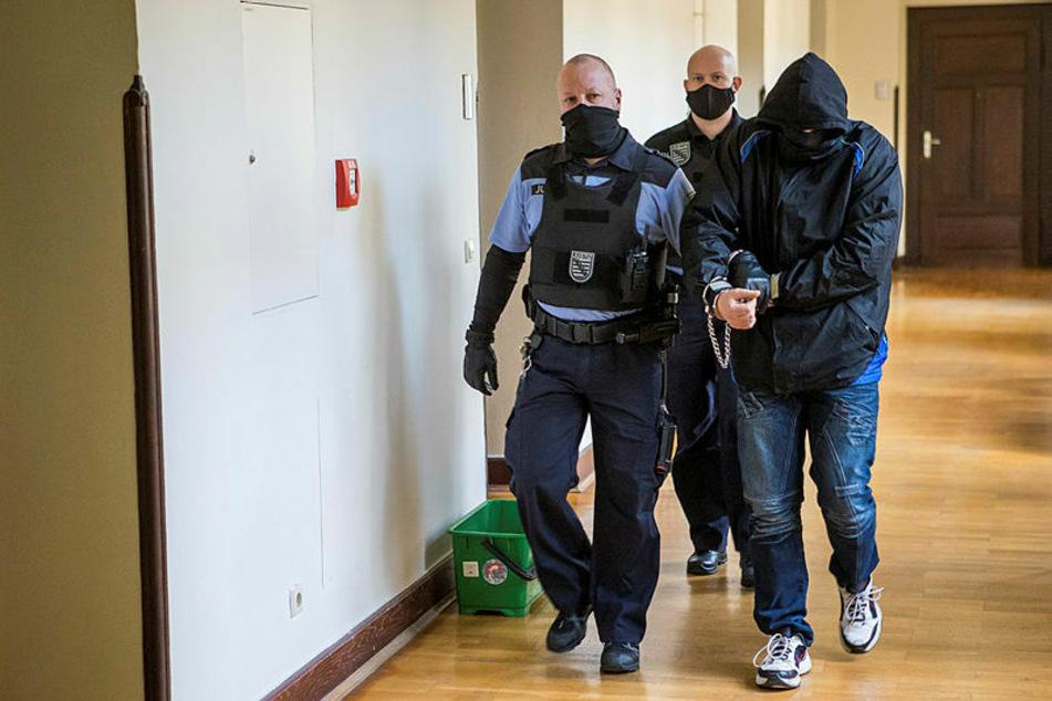 Erschütternder Prozess in Leipzig: Hat dieser Vater seinen Sohn zum Sex-Sklaven gemacht?