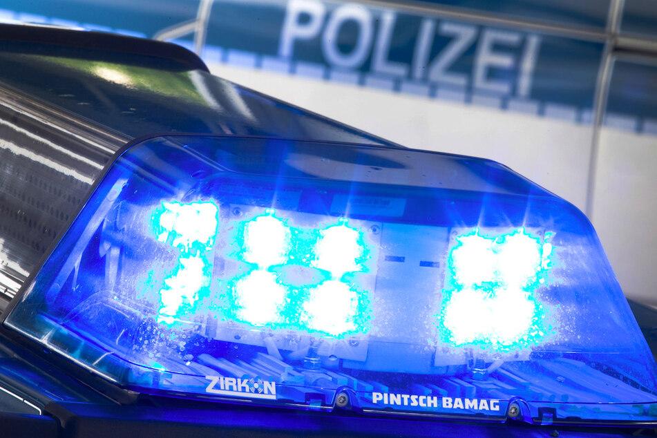 Die Polizei hofft auf Hinweise aus der Bevölkerung zu der räuberischen Truppe. (Symbolbild)