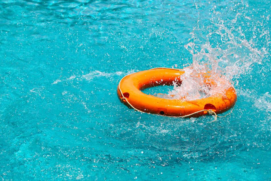 Mann treibt leblos im Becken der Franken-Therme: Jede Hilfe kommt zu spät