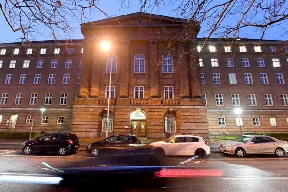Das Kieler Landgericht entschied: Der 25-Jährige muss dauerhaft in die Psychiatrie.