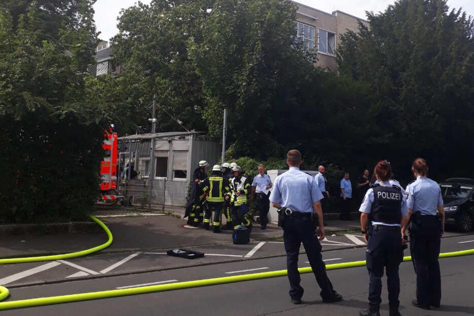 Feuer zerstört Flüchtlingsheim in Bad Godesberg: Zwei Männer in U-Haft, sieben Verletzte