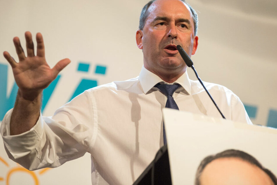 Hubert Aiwanger glaubt an eine Regierungsbeteiligung der Freien Wähler. (Archivbild)