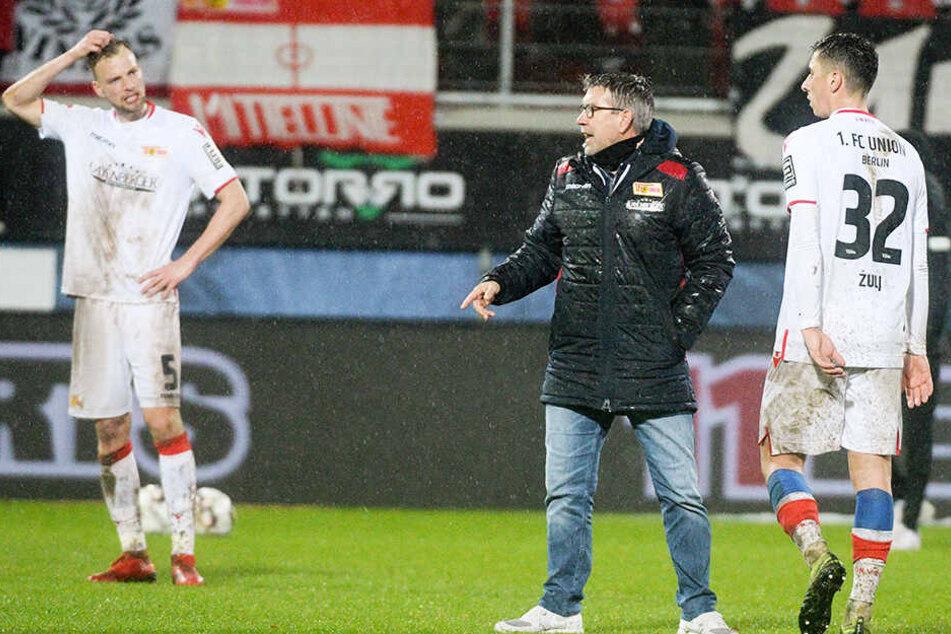 Der 1. FC Union Berlin konnte die Niederlagen der beiden Hamburger Vereine nicht nutzen und verlor seinerseits mit 1:2 beim 1. FC Heidenheim.
