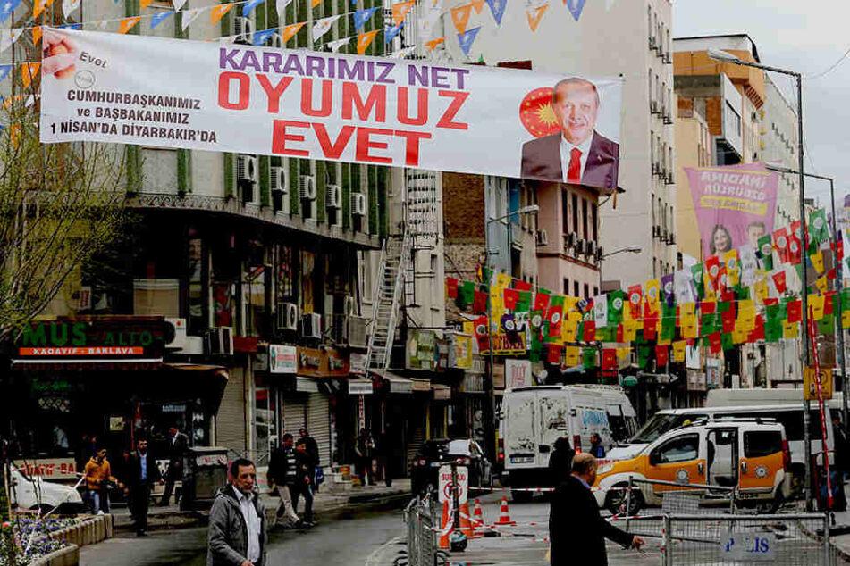 In der südtürkischen Kurdenmetropole Diyarbakir wurden mindestens vier Menschen bei einer Explosion verletzt. (Archivbild)