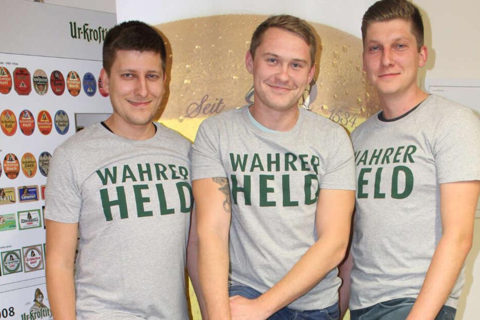 """Die tollkühnen Drei: Chris (23), Tobias (24) und Markus (27) sind """"wahre Helden""""."""