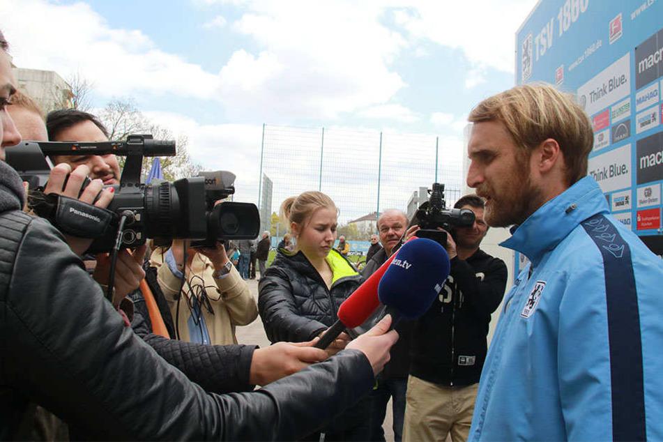 Interviews, wie hier mit Interimscoach Daniel Bierofka, wird in Zukunft erstmal nicht mehr geben.