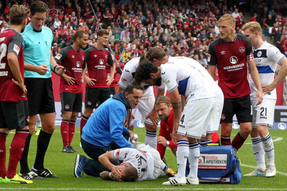 In Nürnberg war Neundorf mit von der Partie und sofort zur Stelle, als Christoph Hemlein am Boden lag.