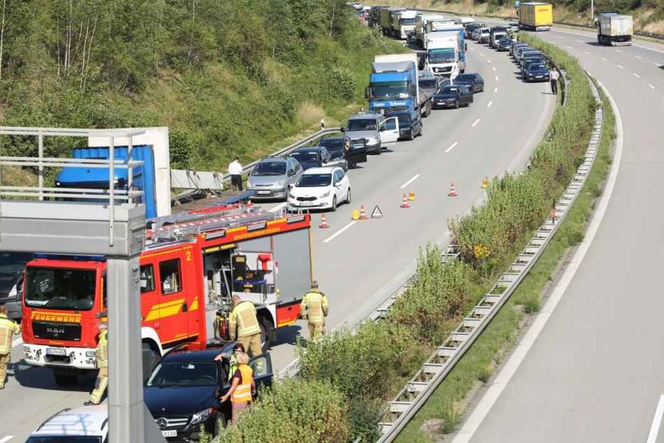 Die Autobahn in Richtung Prag ist derzeit voll gesperrt.