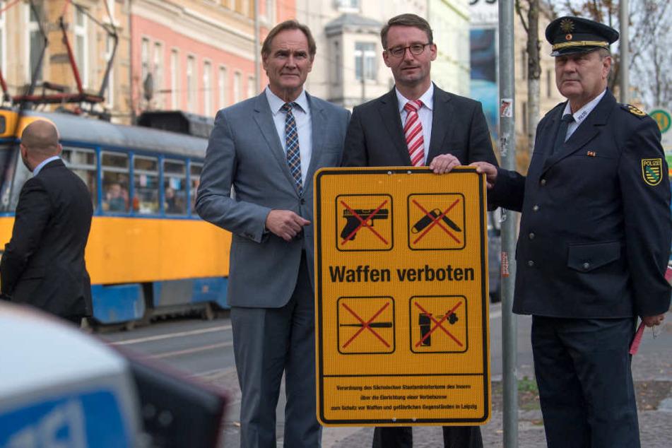 Waffenverbotszone aktiviert: Messer-Kontrollen jetzt auch in Straßenbahnen