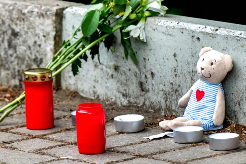 Tragisches Unglück: Autofahrerin überrollt 21-Jährige