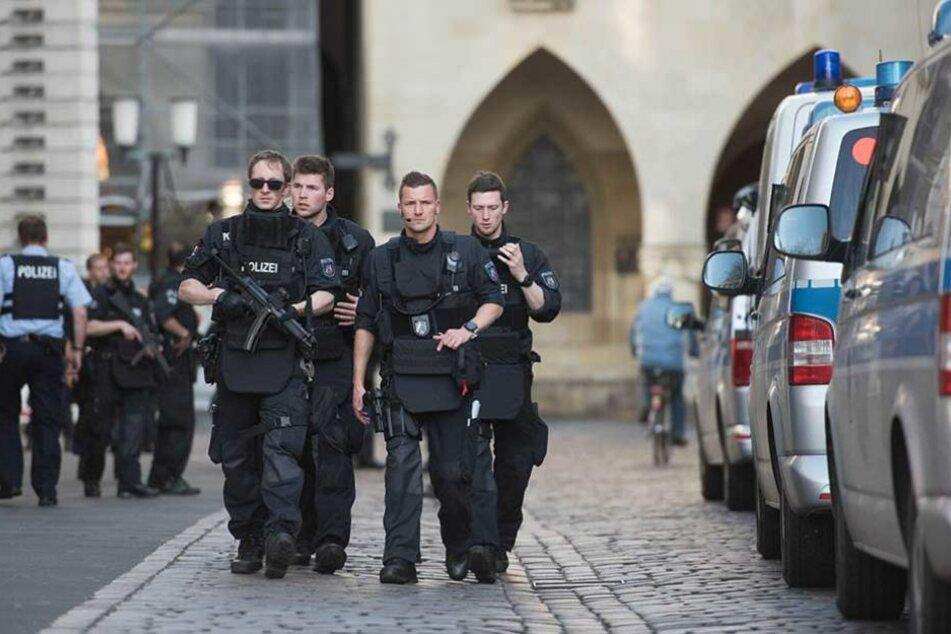 Das Land Nordrhein-Westfalen zog alle verfügbaren Polizeikräfte in Münster zusammen.