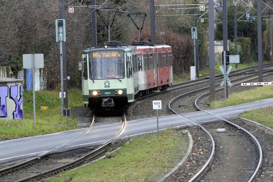 Nach dem Vorfall in Bonn sollen alle 1700 Straßenbahnen in NRW umgerüstet werden (Archivbild).