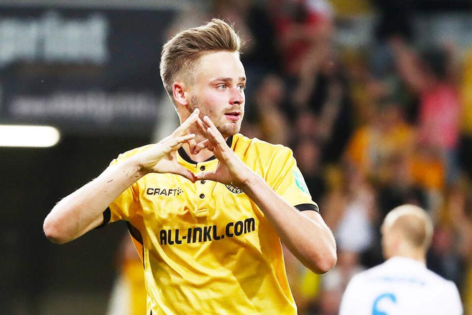 Lucas Röser bejubelt seinen 1:0-Siegtreffer gegen den MSV Duisburg.