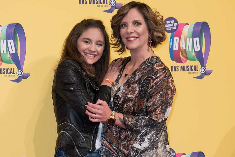 """Zuletzt besuchte Daniela Büchner mit ihrer Tochter Jada die Deutschlandpremiere des Musicals """"The Band - Das Muscial""""."""