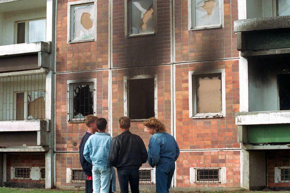 Der Wohnblock in Rostock-Lichtenhagen nach der Ausschreitungen 1992.