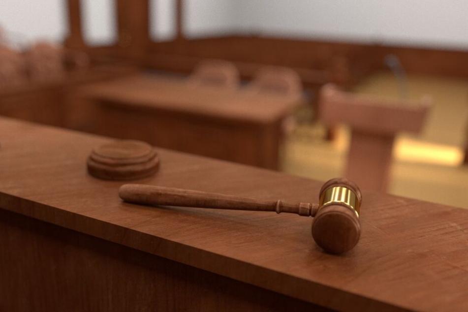 Das Gericht befand die Nanny für schuldig. (Symbolbild)