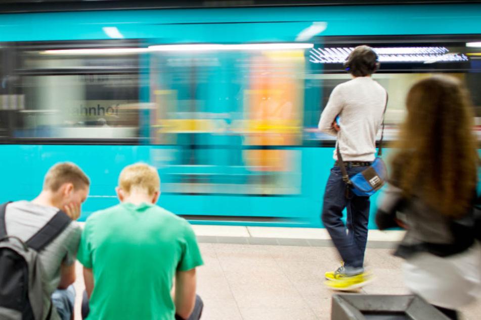 Der U-Bahn-Fahrer versuchte noch zu bremsen – vergebens (Symbolbild).