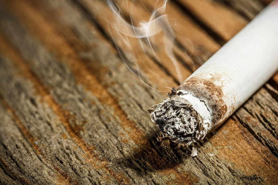 Das 57-jährige Opfer wurde mit Zigaretten gequält.