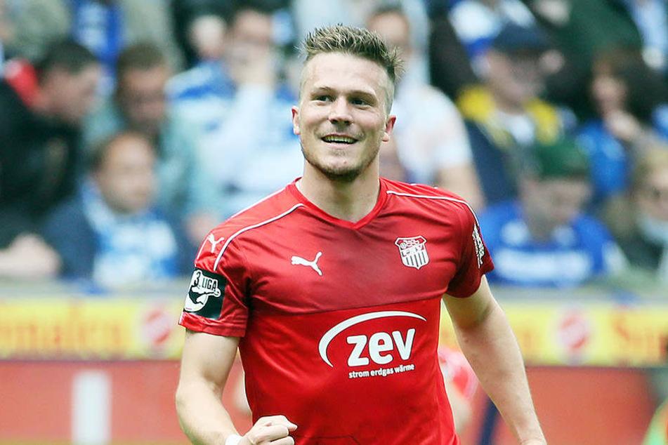 Patrick Wolf jubelt über seinen Treffer in seinem letzten Spiel für den FSV Zwickau.