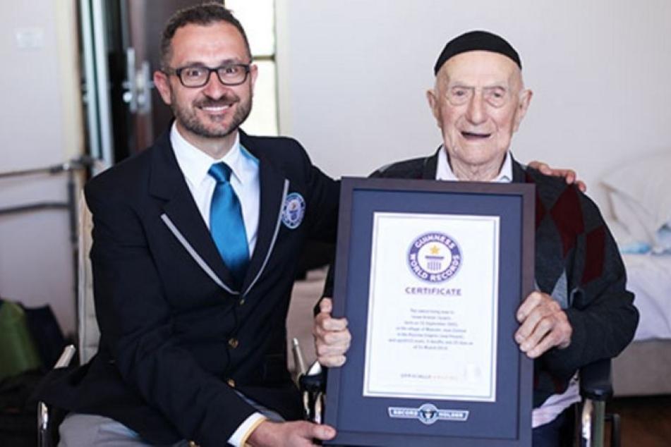 """Das """"Guinness Buch der Rekorde"""" hatte Kristal im März 2016 zum ältesten Mann der Welt erklärt."""