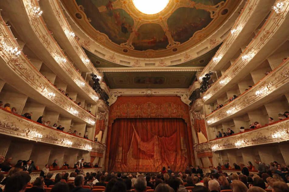 So schön wie die Semperoper: Das 1833 eröffnete Michailowski-Theater in St. Petersburg. Es wurde nach dem Bruder des Zaren benannt.