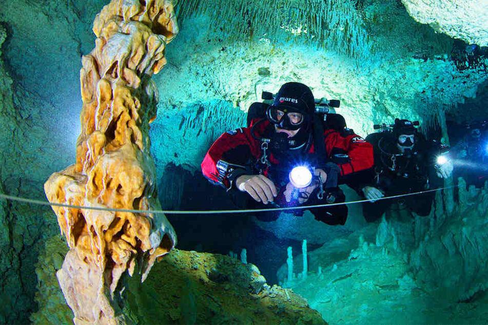 """Die Kieler Unterwasserarchäologen waren sogar schon in der Höhle """"Cenote Las Calaveras"""" in Mexiko."""