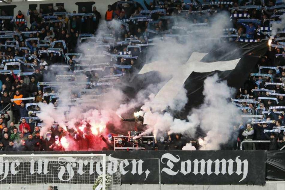 Der Fan-Block des CFC am Samstag beim Heimspiel gegen Altglienicke.