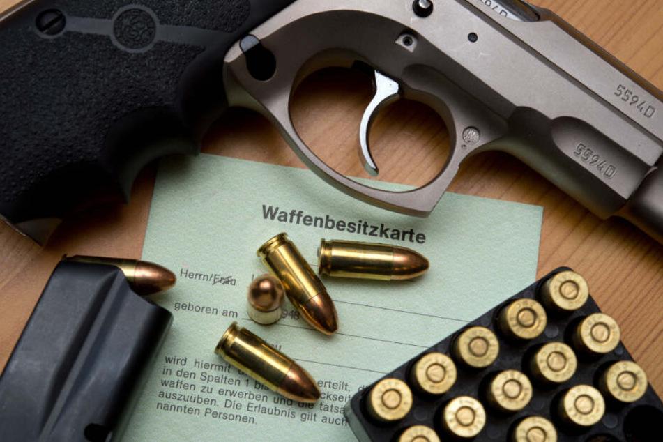Sachsens Bürger rüsten auf: Auch Rechte kommen an die Waffen