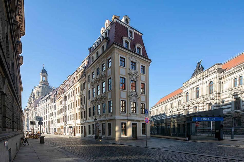 Das Haus Rampische Straße. Im Erdgeschoss hat das Bankhaus noch seinen Sitz.