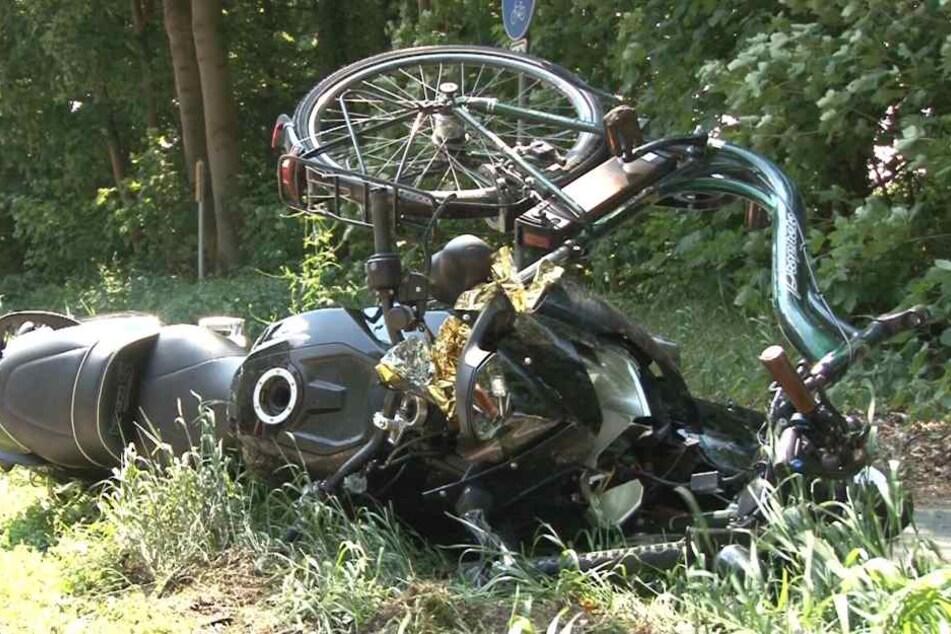 Ein Motorrad und ein Pedelec nach einem Unfall. (Symbolbild)