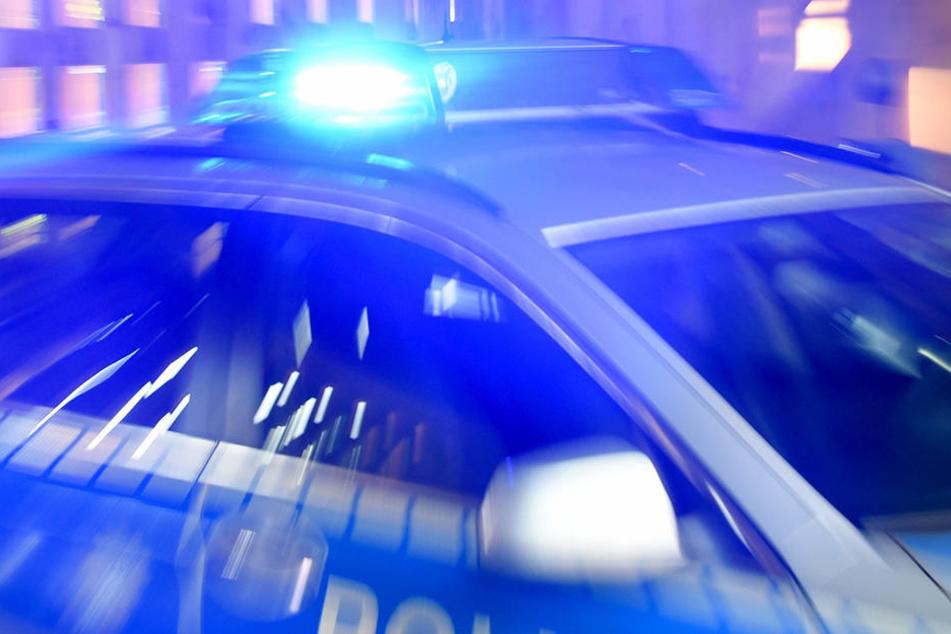 Brutaler Angriff: Hocker ins Gesicht geschlagen und zugestochen