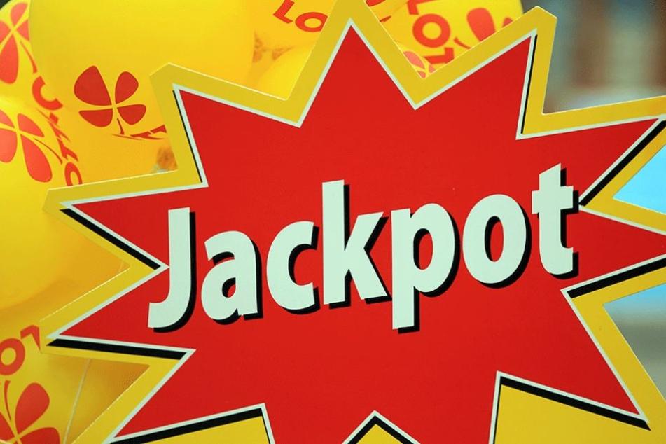 Jackpot geknackt und nicht davon mitbekommen oder taktische Zurückhaltung?