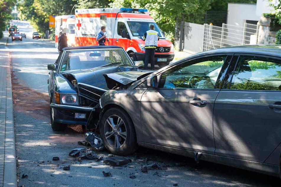 Drei Fahrzeuge waren in den Unfall verstrickt.