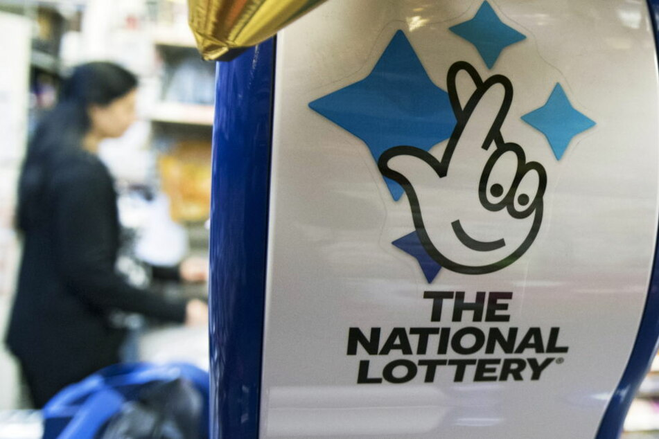 Das Paar spielte in England Lotto.